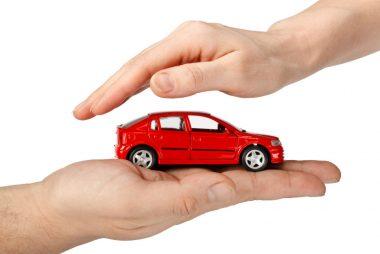 como hacer que te bajen el seguro del coche